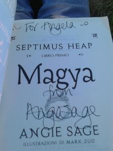 autografo Angie Sage
